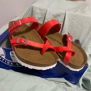 Brand New Mayari Birkenstock sandals size 7
